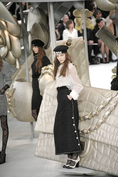 Paris Fashion Week Fall Winter 2008 2009 Chanel Runway10 Adriana Sassoon