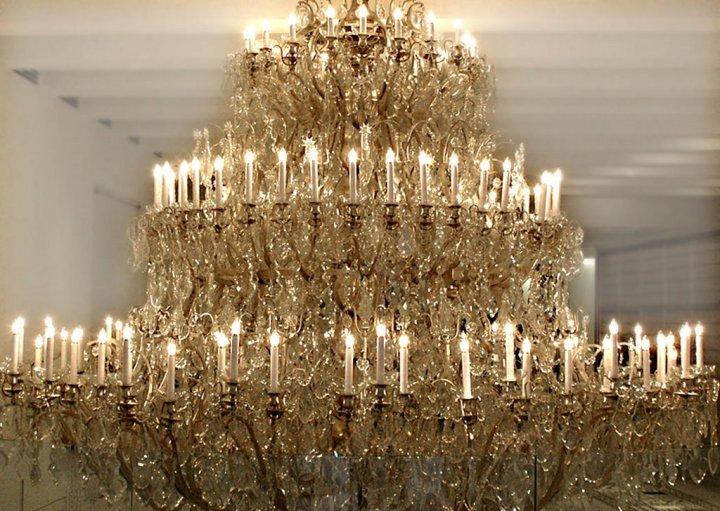 chandelier-7076641