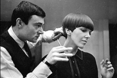 http://adrianasassoon.files.wordpress.com/2009/08/mary-quant-vidal-sassoon.jpg