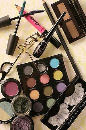 makeup-main_Full