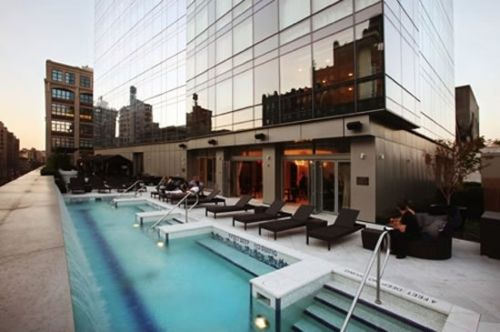 trump-soho-piscina