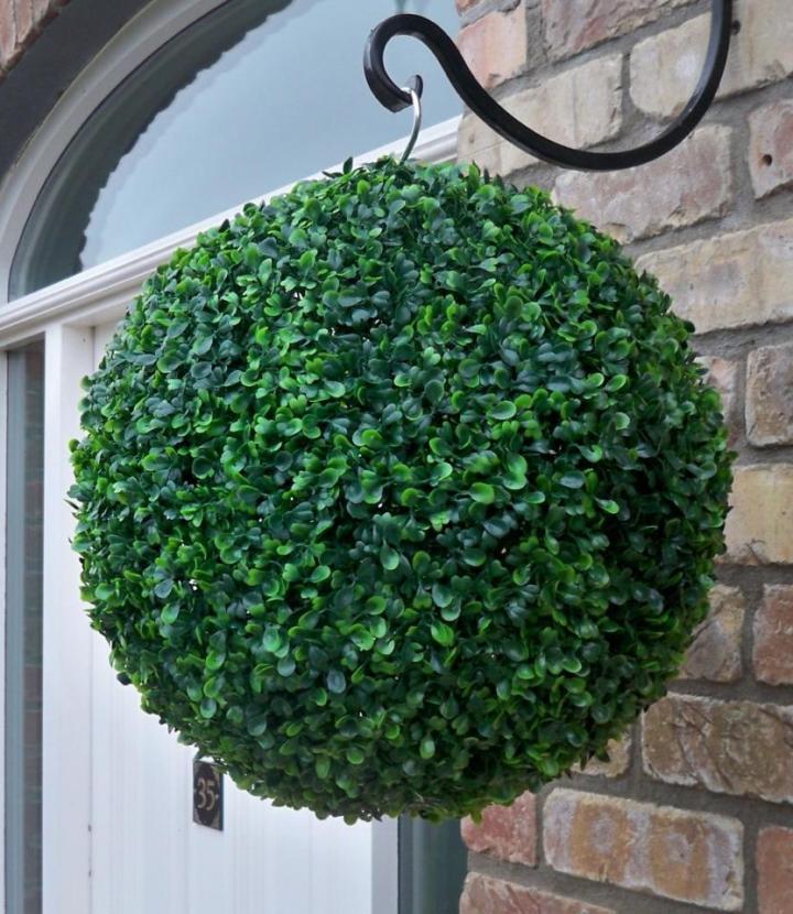 topiary hanger