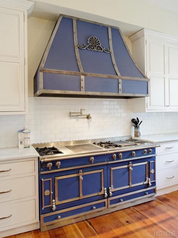 newport rhode island adriana sassoon. Black Bedroom Furniture Sets. Home Design Ideas
